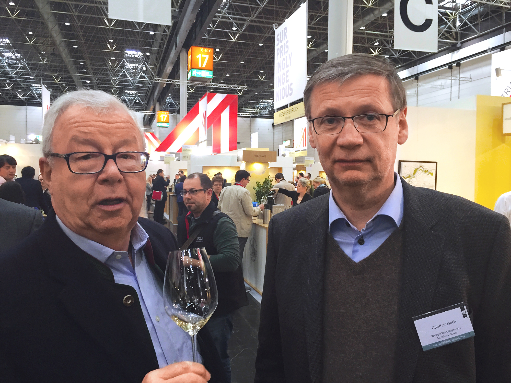 23 weinmarathon in d sseldorf es trafen sich weinfreunde aus aller welt gourmino express. Black Bedroom Furniture Sets. Home Design Ideas