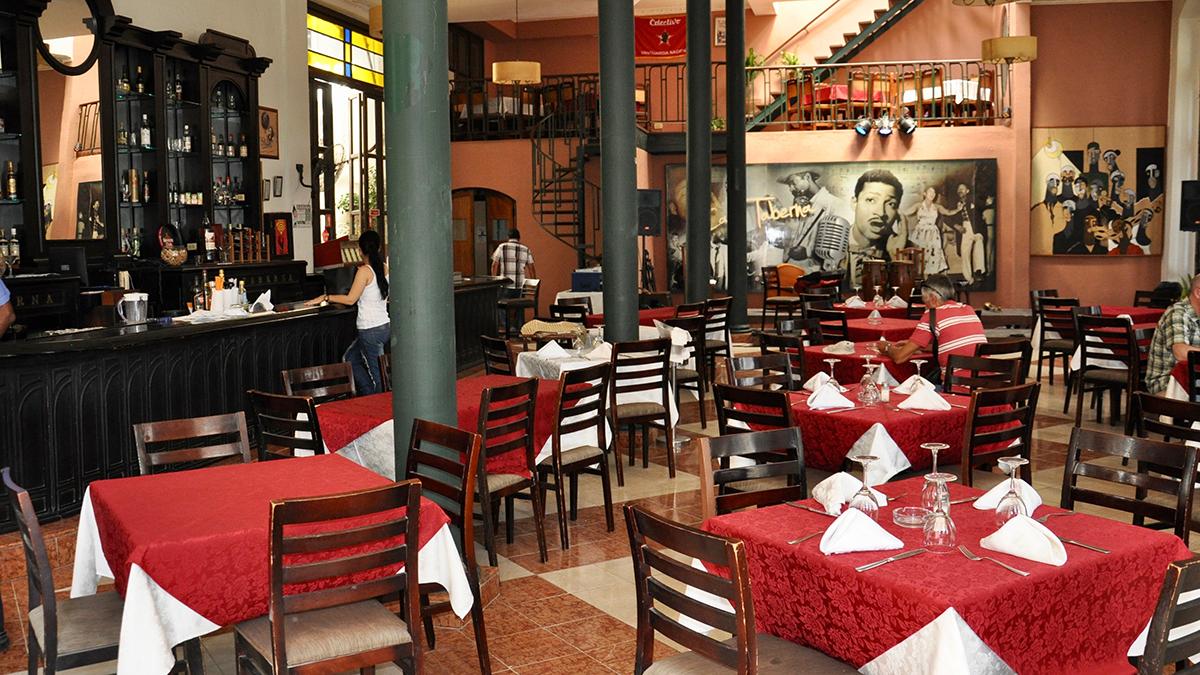 Café Taberna: hier springt der Salsa &Son Funke über.