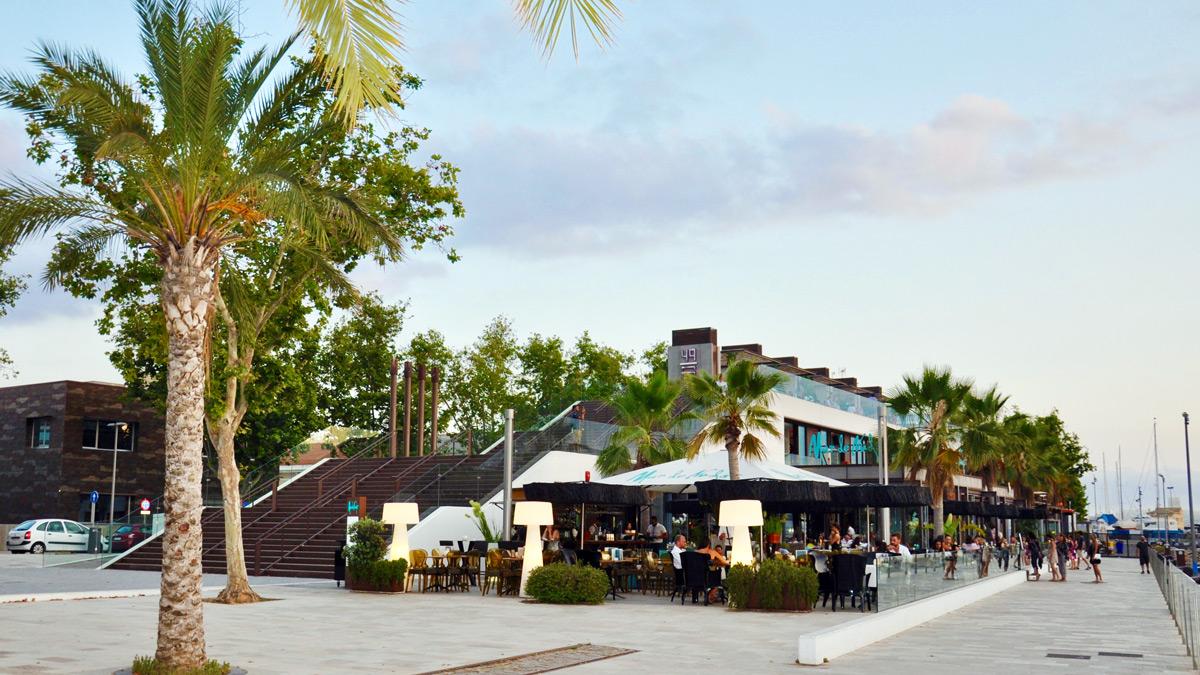 Mar de Nudos: Schicke Restaurants an der alten Mole. Foto WR