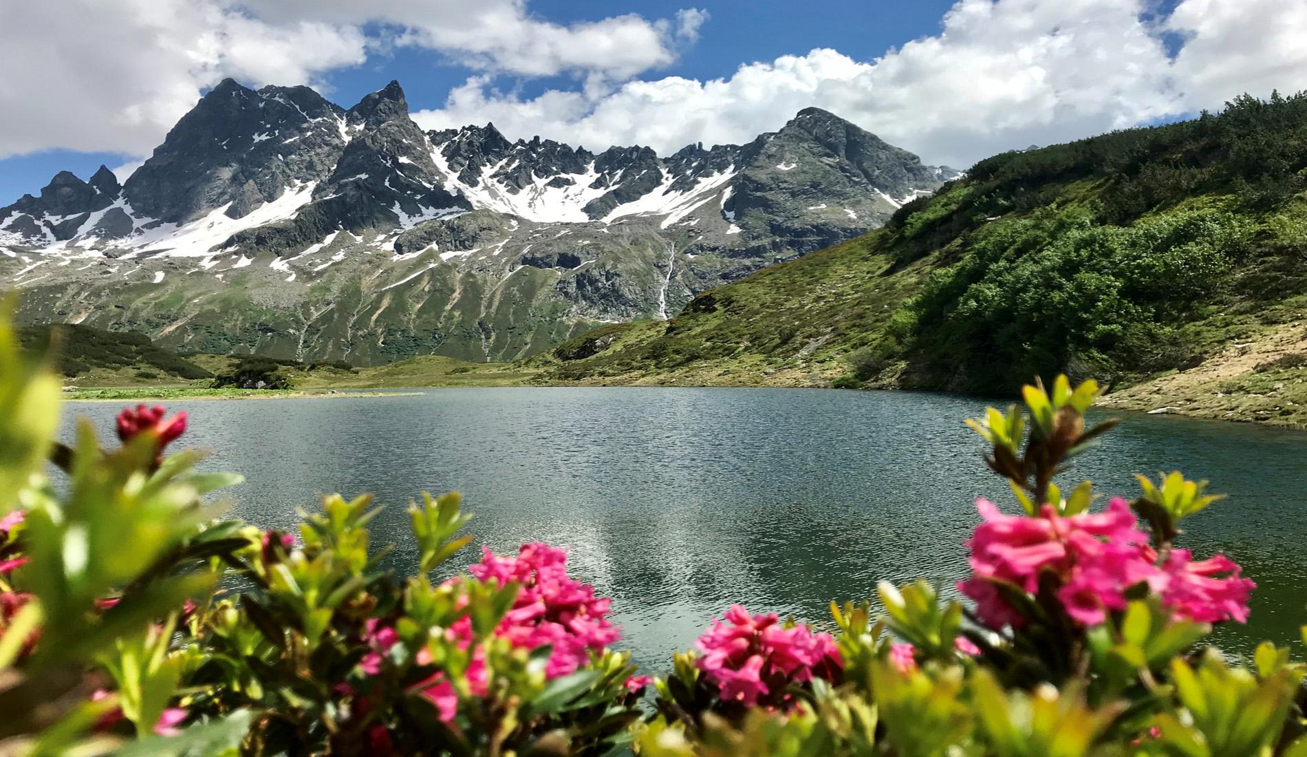 Baden im Bergsee, Wandern oder Mountain biken… schöner geht es nicht