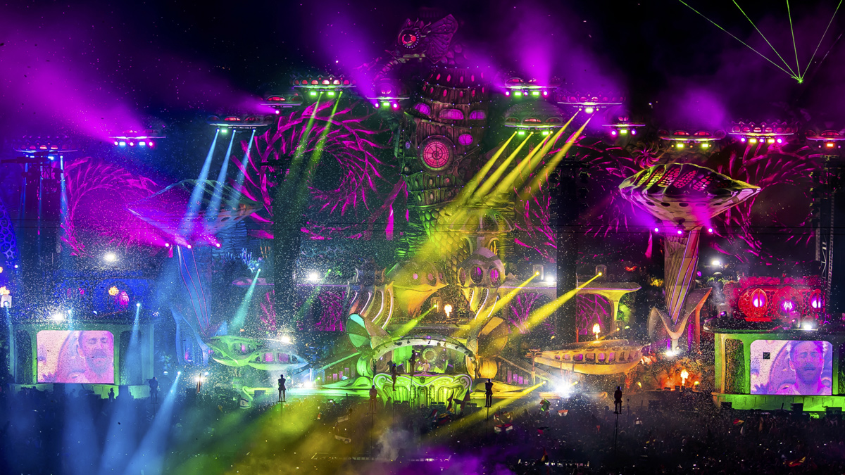 David Guetta auf der Hauptbühne beim spektakulären Finalabend von Tomorrowland. Copyright Tomorrowland