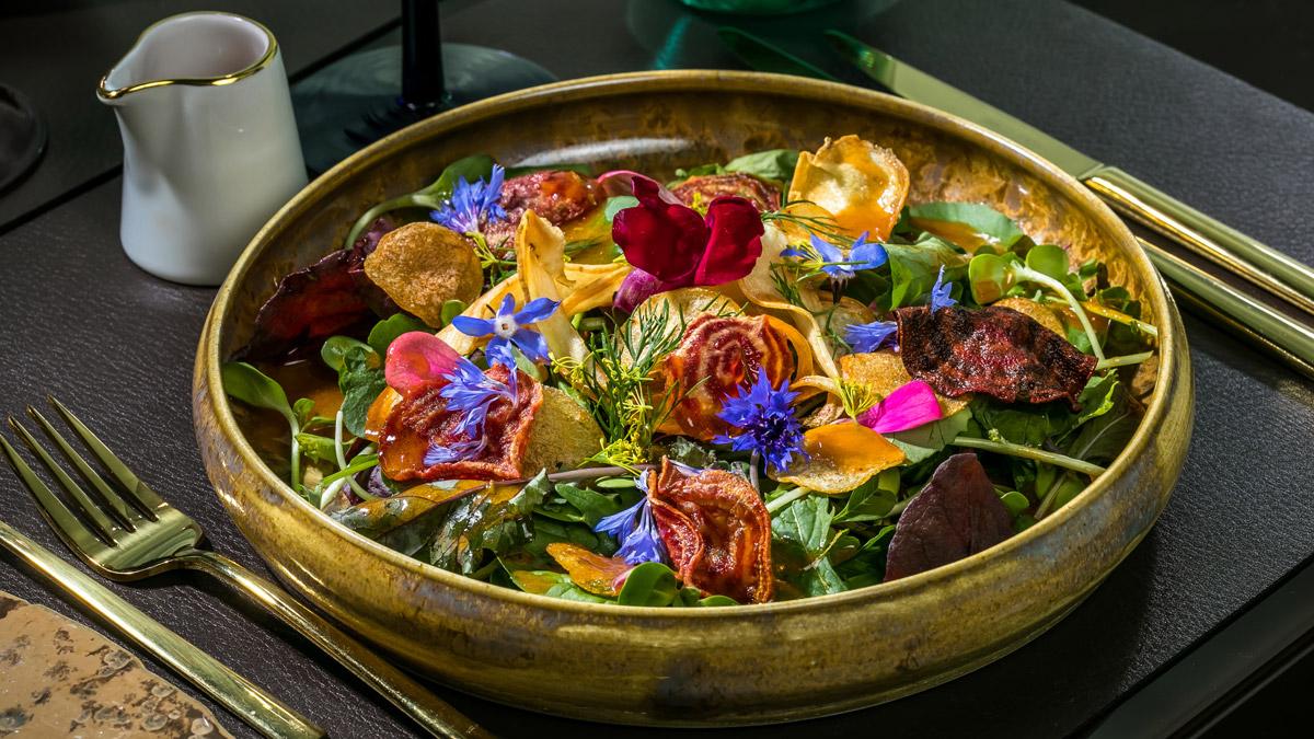 Franziska: Ein Salat wie ein Gemälde. Foto Mook