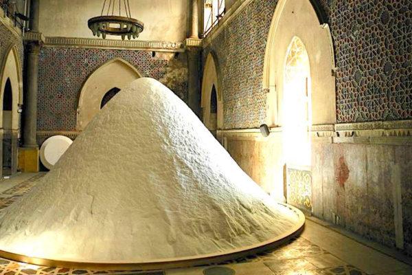 The Soul of Salt, eine Installation von Patricia Kaersenhout. Foto Wolfgang Traeger