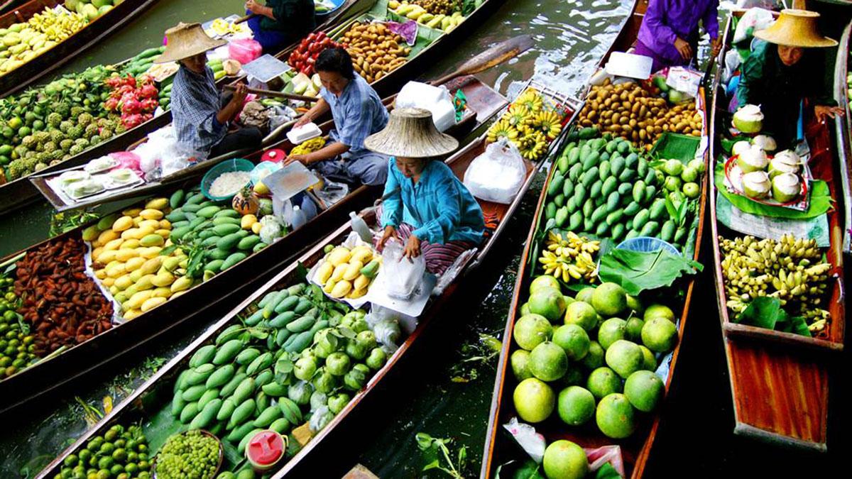 Floating Market: Früchte und Gemüse dominieren das Angebot. Foto WR