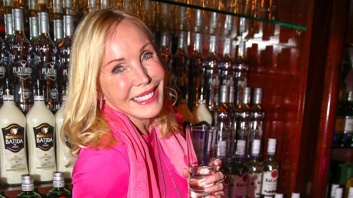 Ein Wodka-Lemon geht noch: Moderatorin Heike Maurer.