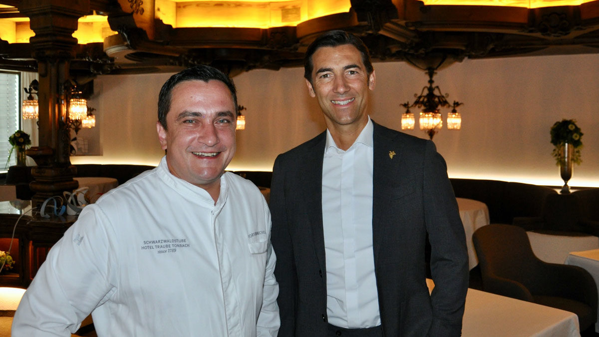 Jung, dynamisch, erfolgreich: Küchenchef Torsten Michel, Restaurantchef und Sommelier Stéphane Gass. Foto WR