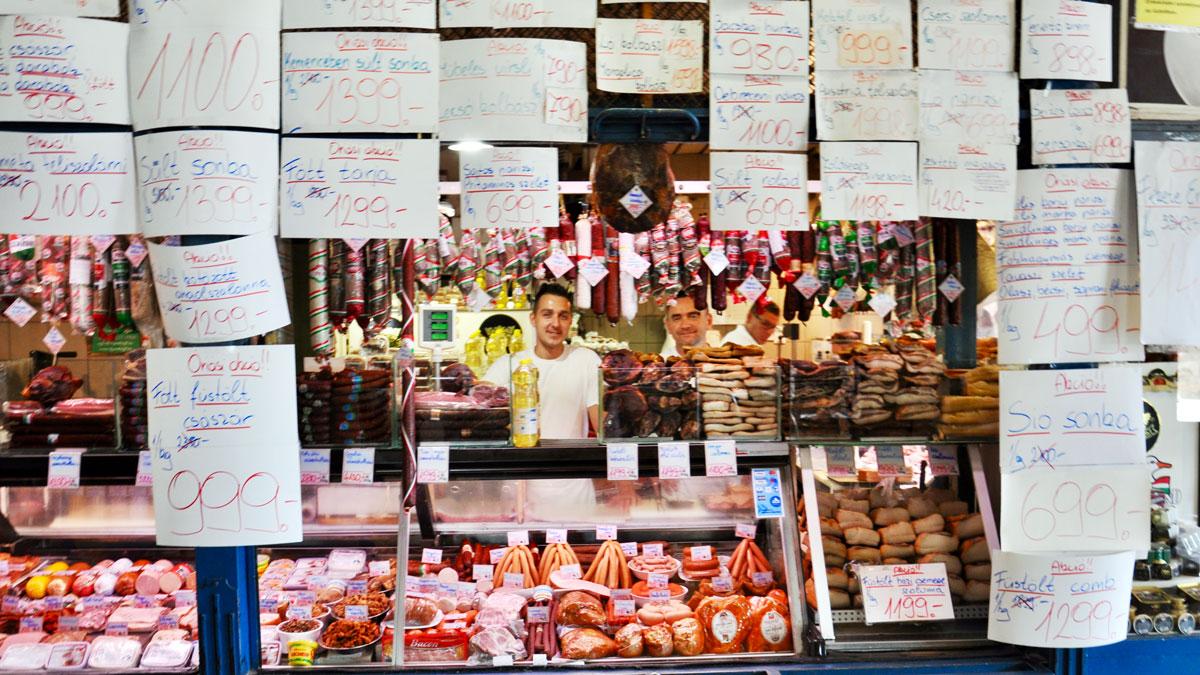 Markthalle: Vor lauter Sonderangeboten sieht man fast die Ware nicht…. Foto WR