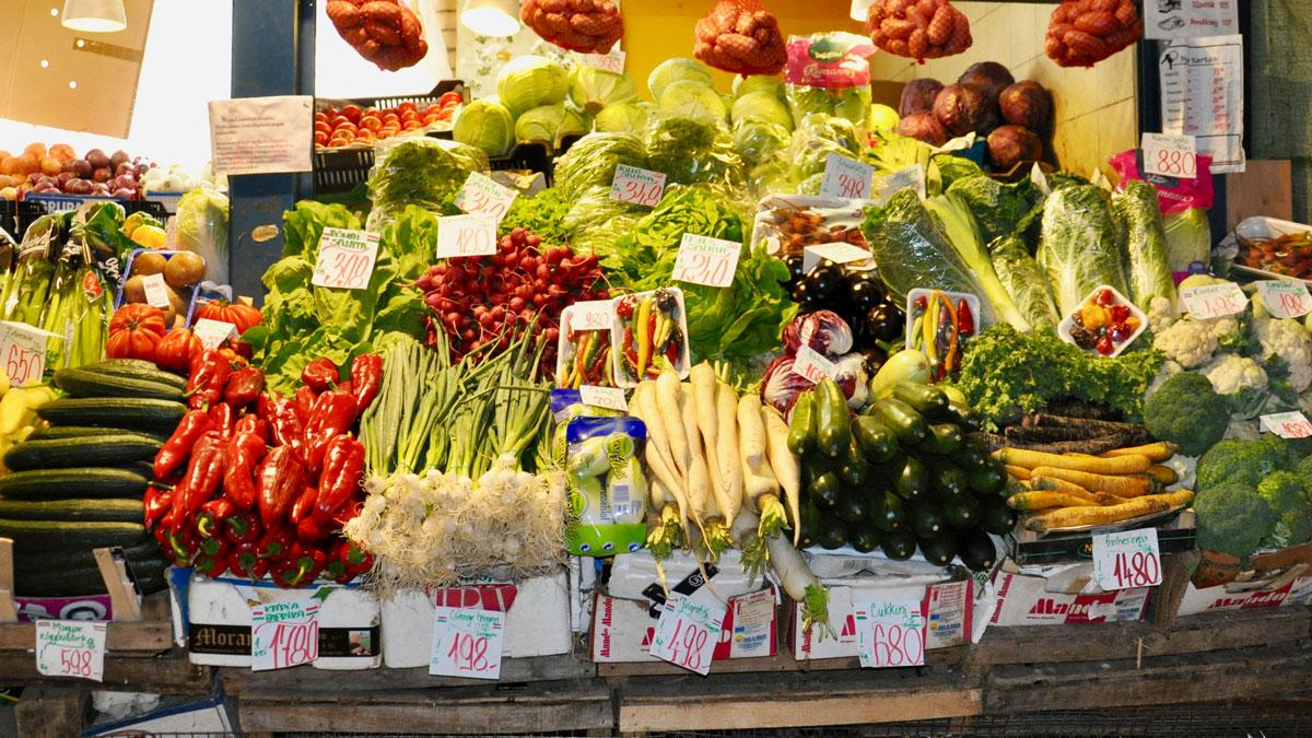Großes Angebot an Gemüsen in der Markthalle. Foto WR