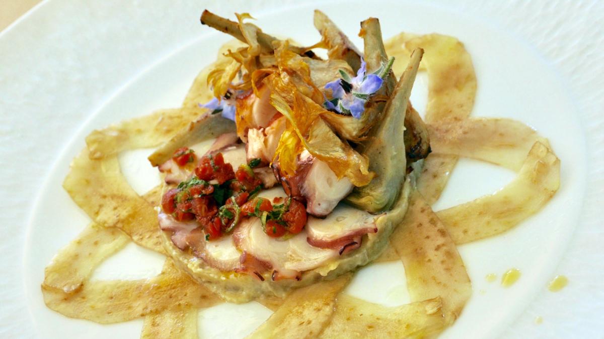 Vorspeise: Mariage Bretagne und Provence – Tintenfisch auf Artischocken und Tomaten. Foto WR