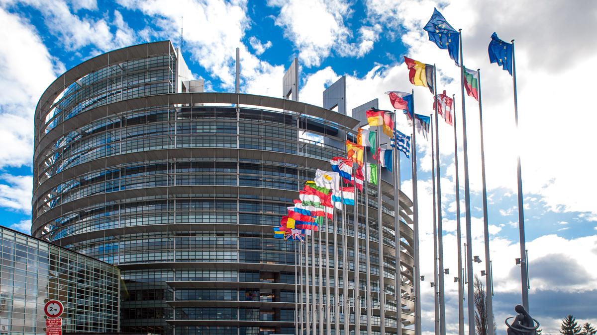 Das Europäische Parlamentsgebäude. Hier haben 751 Abgeordnete ihre Büros.