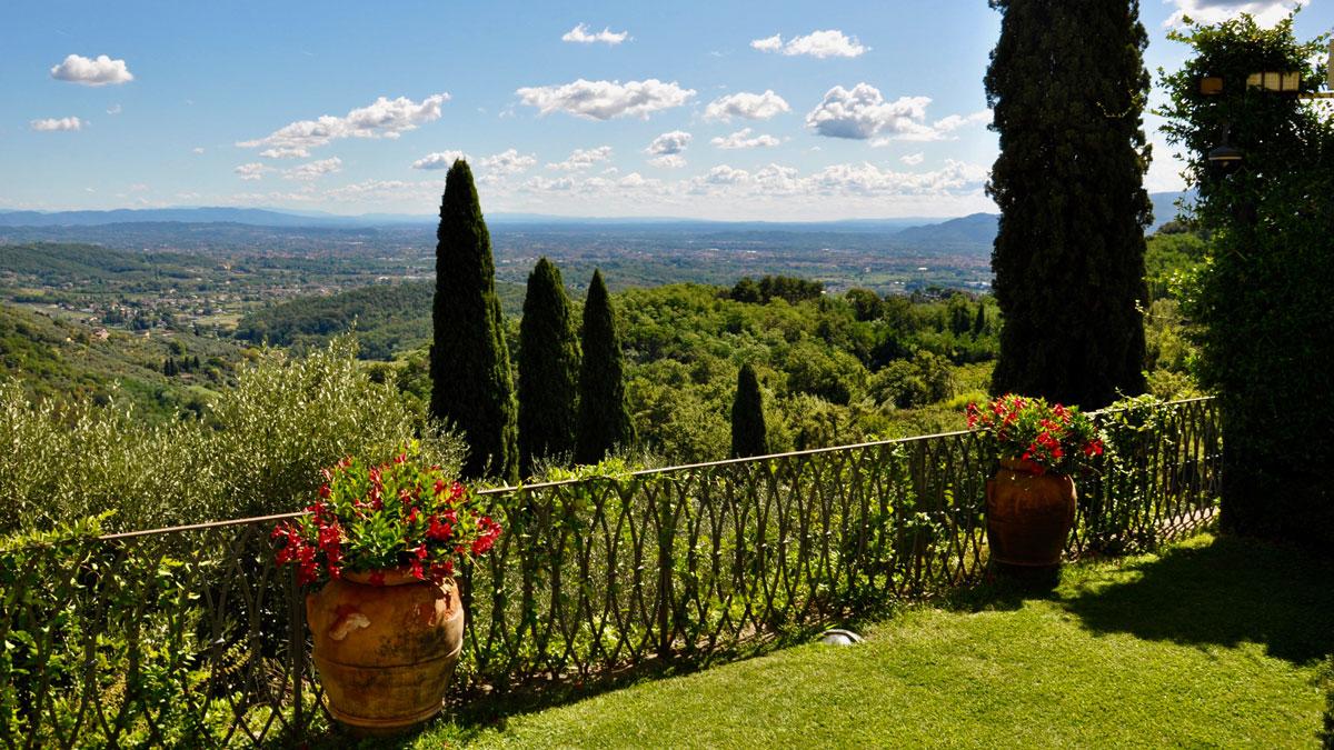 Herrlicher Panoramablick in die Toskana bis an die Küste. Foto WR