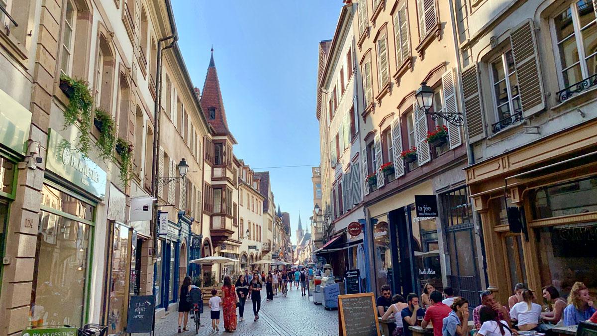 Die Lange Straße: Shoppen und schlemmen. Foto WR