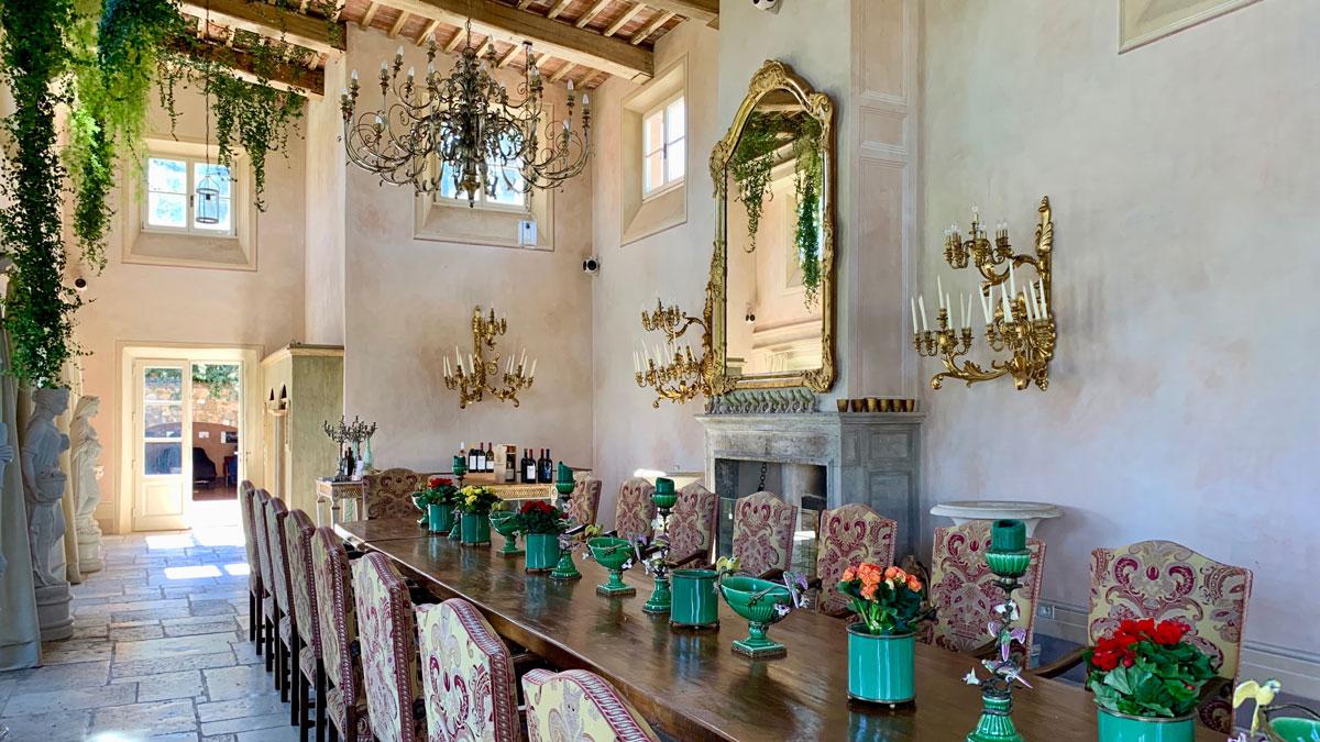 Der Bankettsaal im Gästetrakt. Herrschaftlicher Raum für Dinner und Weinproben. Foto WR