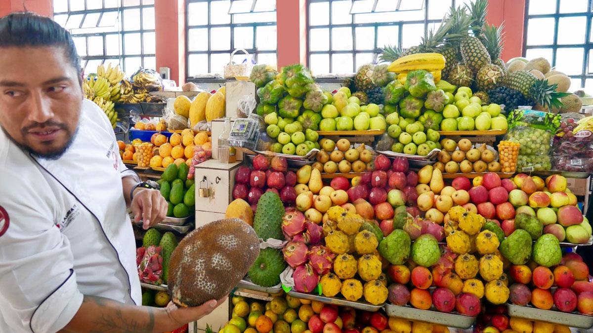 Markthalle von Quito. Foto JW
