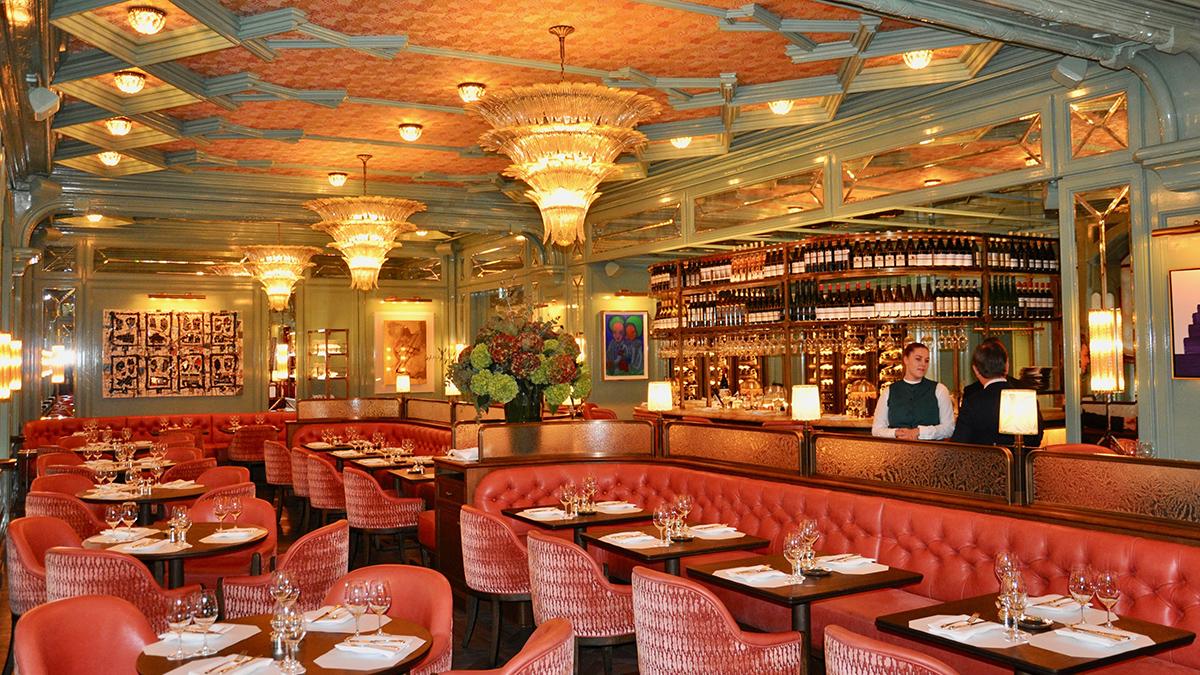 """Cool, aber trotzdem gemütlich: die neue Brasserie, das """"Baur's"""". Foto WR"""