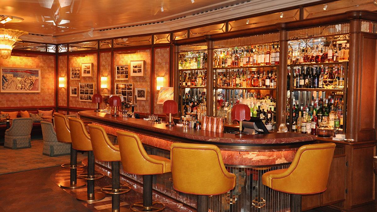 Die Lounge-Bar: Meeting-Point der Züricher Society für den After-Work-Drink. Foto WR