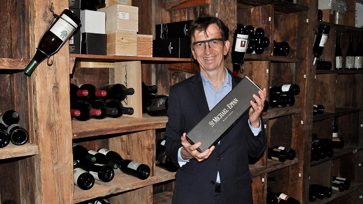 Schöneck: Restaurantchef und Sommelier Siegi hat die besten Weine im Keller (und im Kopf). Foto WR