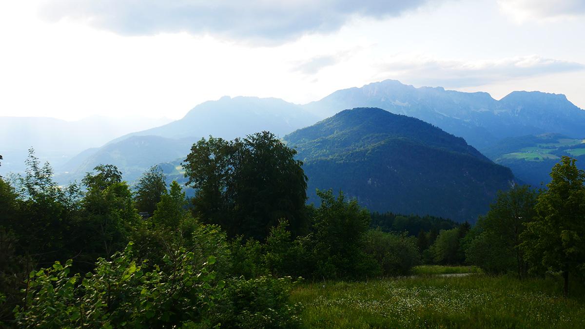 Blick auf den Untersberg vom Zimmer des Kempinski Berchtesgaden