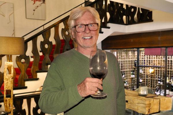 """Gourmino-Express Chefredakteur Helmut von Finck: """"Der Weinkeller gehört zu den besten in Deutschland"""". Foto HvF"""
