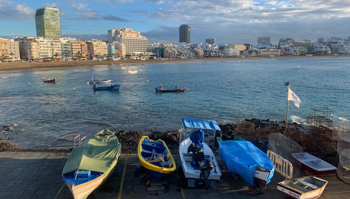 Panoramablick vom Restaurant La Marinera auf den Strand Las Canteras. Foto WR
