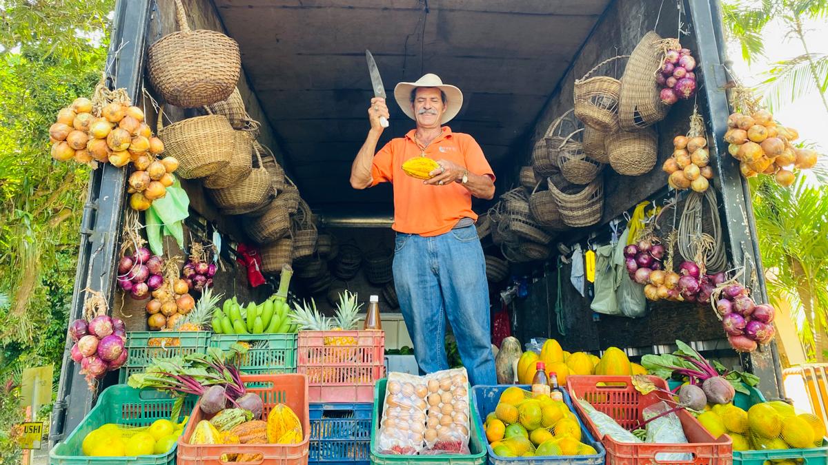In Costa Rica werden Früchte sogar aus den LKWs verkauft. Foto: Inna Hemme