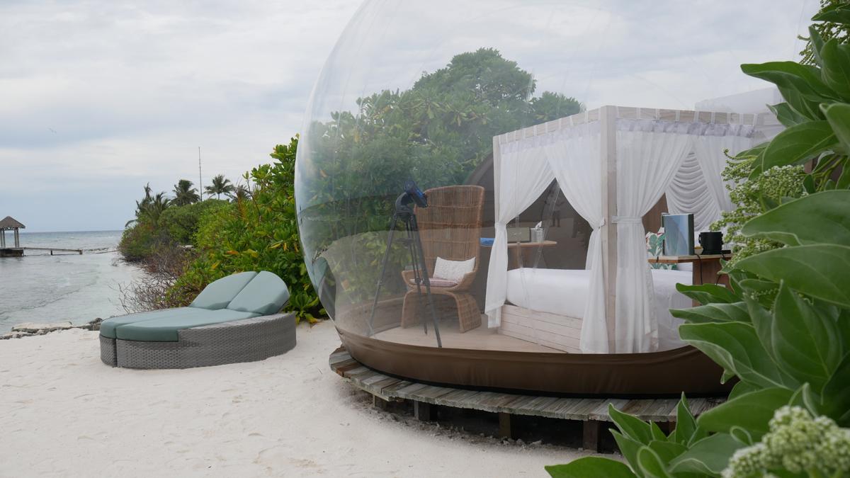 Leben wie in einer Seifenblase und mit Sternengucker im Seaside Finolhu. Foto: Jürgen Wenzel