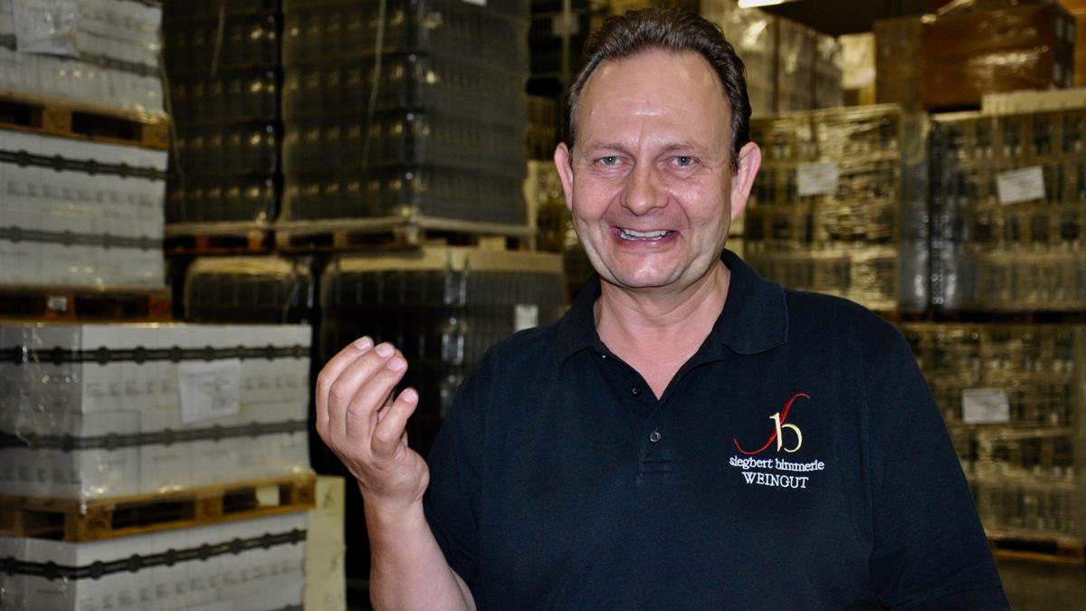 Siegbert Bimmerle: Seine Liebe, seine Leidenschaft und sein Leben gehört dem Wein. Foto WR
