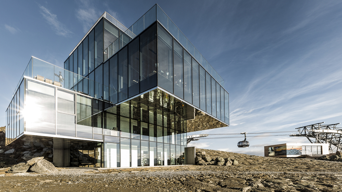 Das spektakuläre Gourmetrestaurant iceQ auf 3048 Meter Seehöhe. Foto Central
