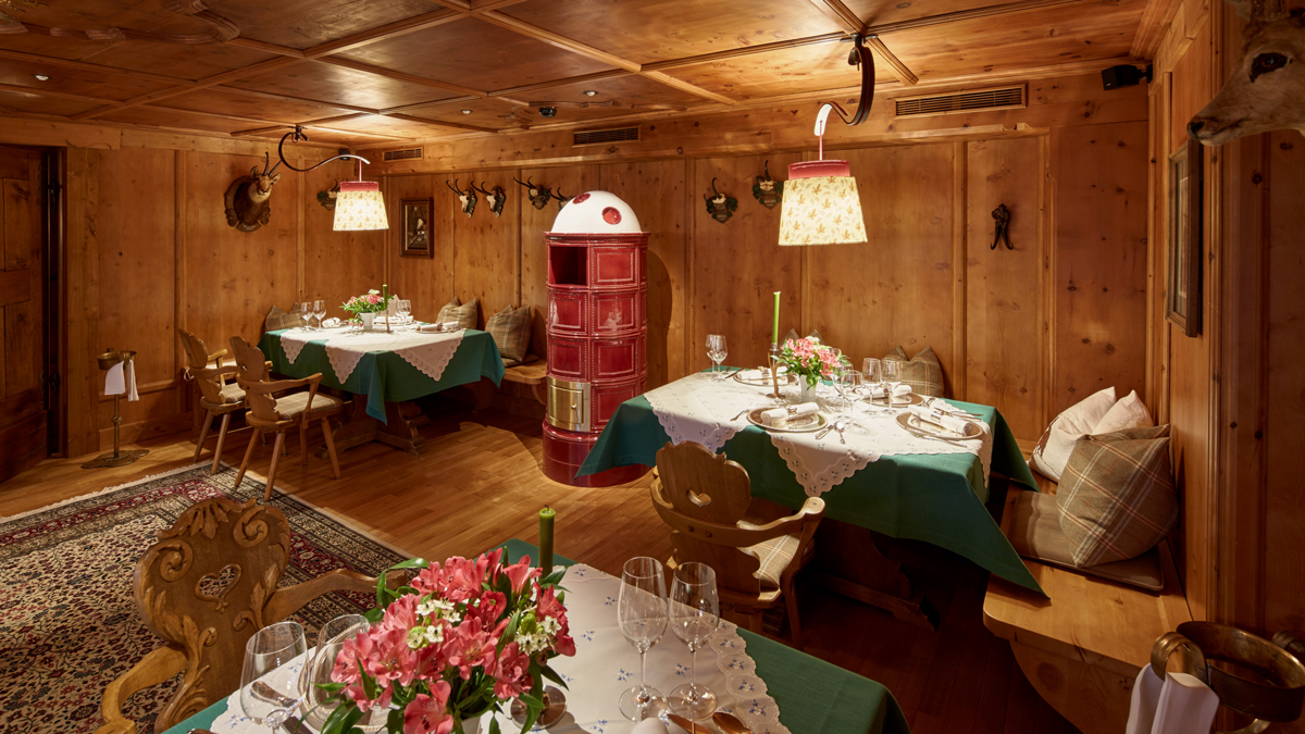 Die heimelige Jägerstube: Hier serviert Küchenchef David Wagger seine kreativen Menüs. Foto Post